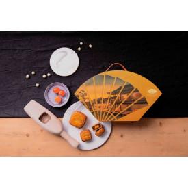 Hong Kong Mandarin Oriental Golden Lotus Seed Paste Mooncake with Two Yolks 4 pieces